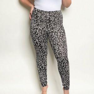 ❗️Nordstrom Plus Size Leopard Print Leggings NWT